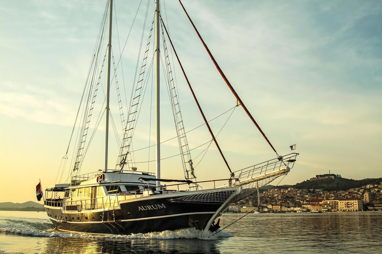 Boating is fun with a Classic in Split