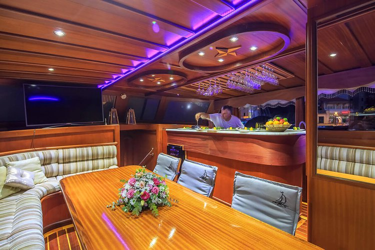 Boat for rent Custom 95.14 feet in Split, Croatia