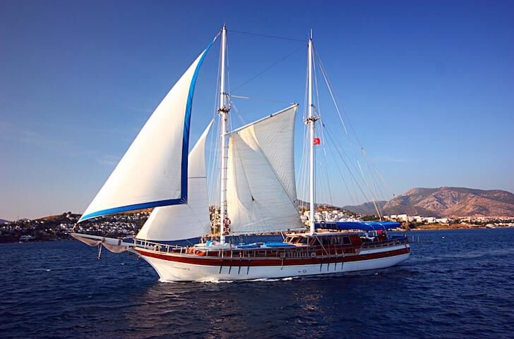 Charter a 98' traditional sailing boat in Bodrum, Turkey