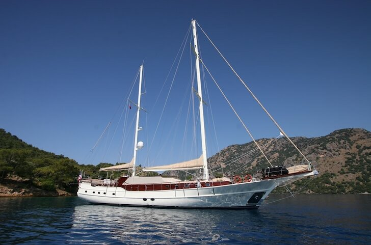 Charter a 98' classic sailing yacht in Gocek, Turkey
