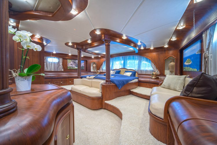 Boat for rent Custom 98.42 feet in Split,