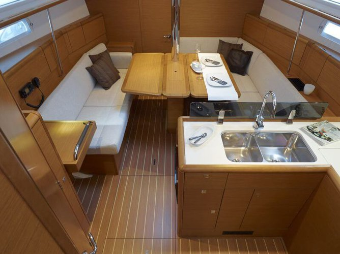 Jeanneau boat for rent in Annapolis