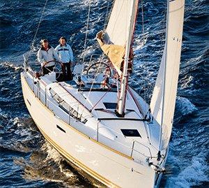 Enjoy cruising onboard 37' Jeanneau Sun Odyssey 389