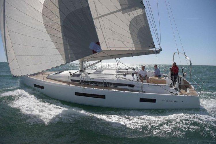 Jeanneau's 44.0 feet in Annapolis