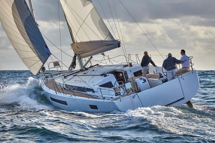 Have fun in Annapolis, Maryland onboard 49' cruising monohull