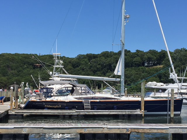 Discover Annapolis surroundings on this Sun Odyssey 58 Jeanneau boat