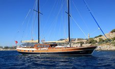 Charter a 85' classic sailing yacht in Bodrum, Turkey