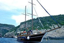 Have fun in Split, Croatia onboard 85' classic sailing yacht