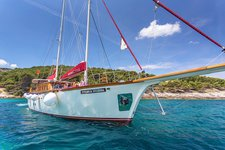 Indulge in luxury onboard 89' classic sailing yacht