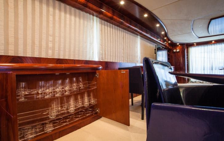 Discover Phuket surroundings on this 102 GLX Astondoa boat