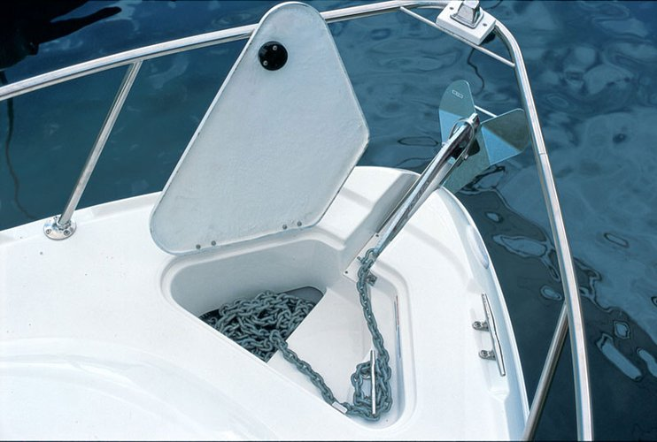 Discover Miami surroundings on this Chaparral Boats 290 Signature Chaparral boat