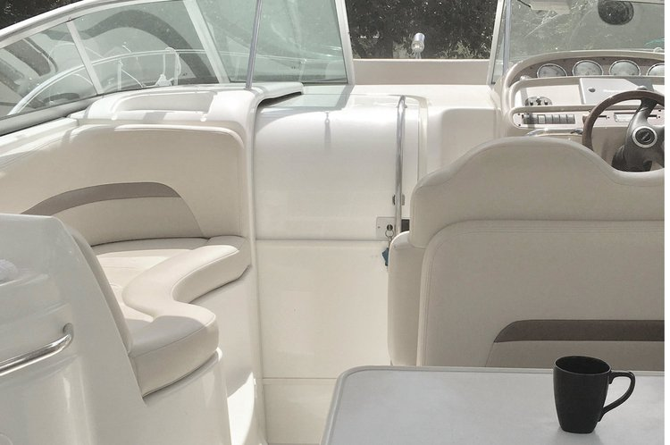 Cruiser boat rental in Miami, FL