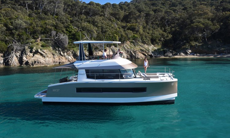 Boat for rent Fountaine Pajot 36.0 feet in Lisboa, Portugal