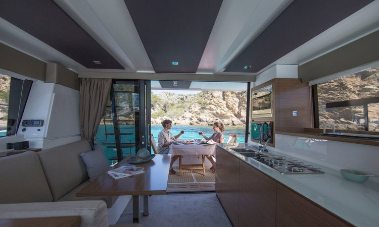 36.0 feet Fountaine Pajot in great shape