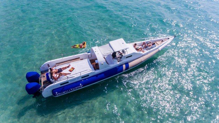 Center console boat rental in Yacht Haven Marina (Phuket),