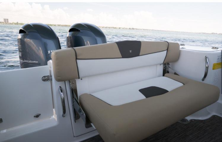 Boating is fun with a Center console in Phuket