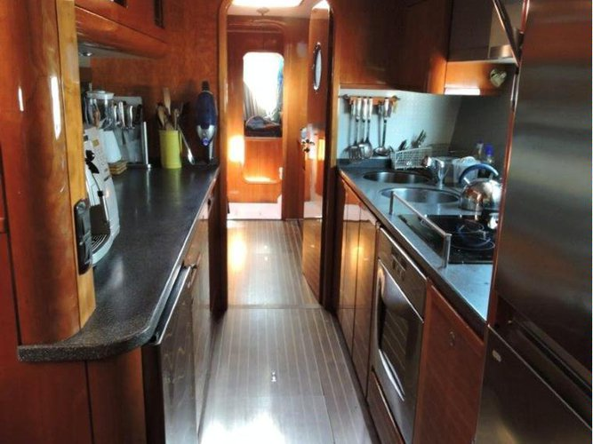 Discover Elba surroundings on this Privilege 58 Custom boat