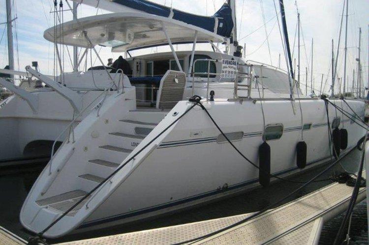 Have fun in Elba, Italy aboard 58' luxurious cruising catamaran