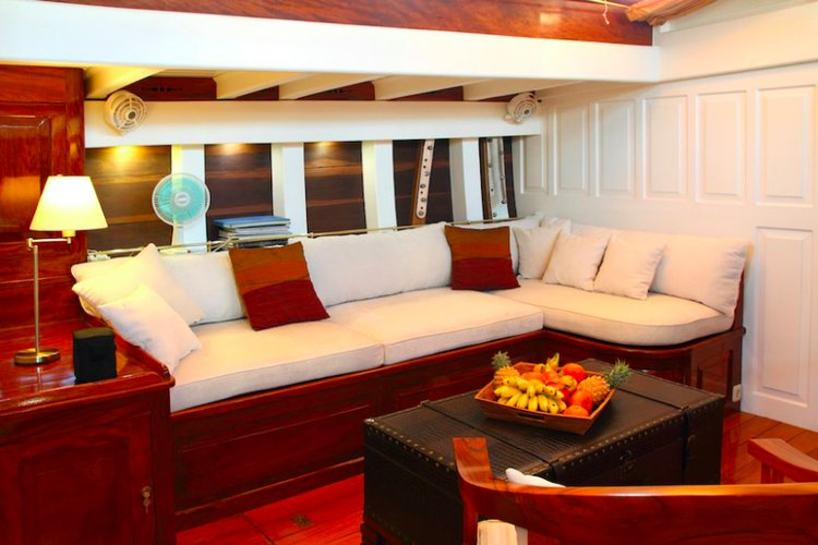 Discover Mergui Archipelago surroundings on this Custom Custom boat