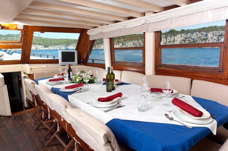Boat for rent Custom 98.42 feet in Split, Croatia