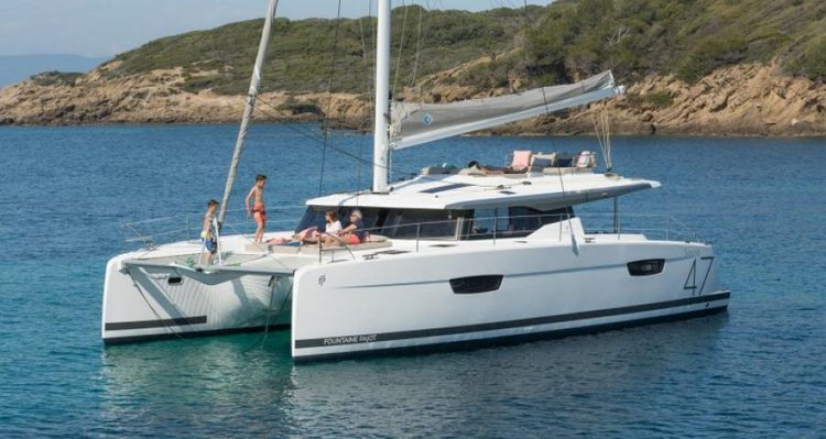 45.8 feet Fountaine Pajot in great shape