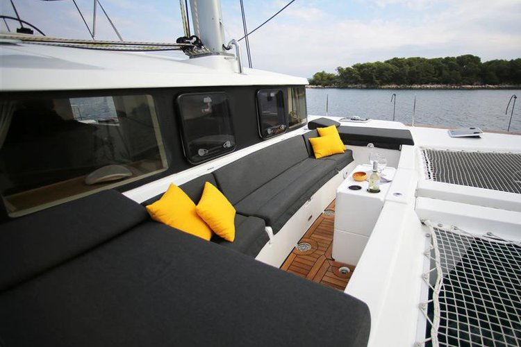 Boat for rent Lagoon 45.0 feet in Doca de Santo Amaro, Portugal