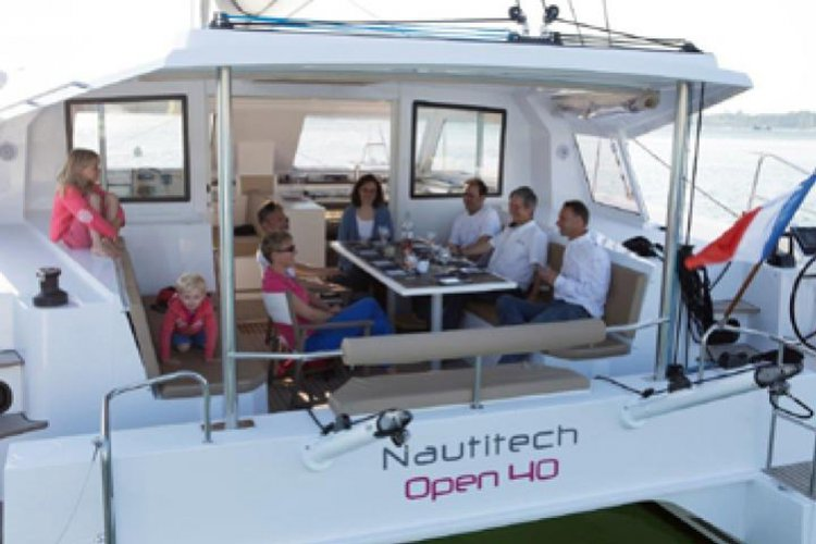 Discover Phuket surroundings on this Open 40 Nautitech boat
