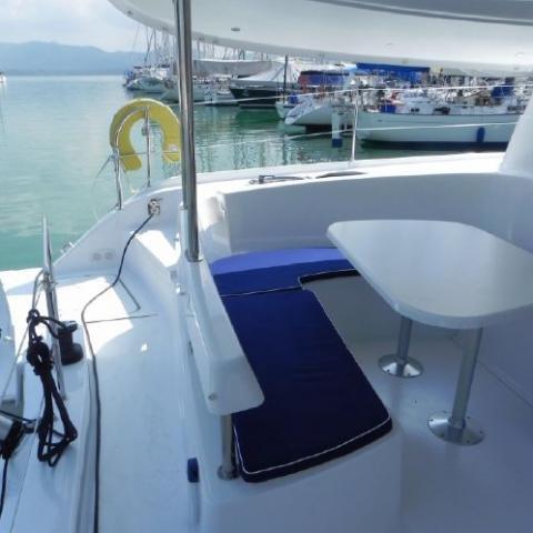 Discover Phuket surroundings on this Lipari 41 Fountaine Pajot boat
