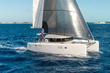 Luxurious Lagoon 39 available for charter in Italy