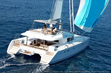 Charter a splendid 56' cruising catamaran in Italy