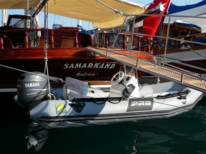 This 87.0' Ethemoglu cand take up to 8 passengers around Bodrum