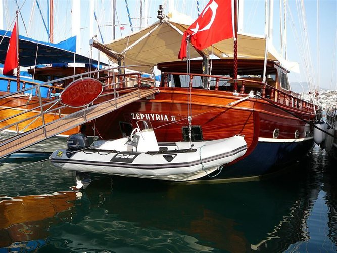 This 114.0' Gulet cand take up to 12 passengers around Bodrum/Muğla
