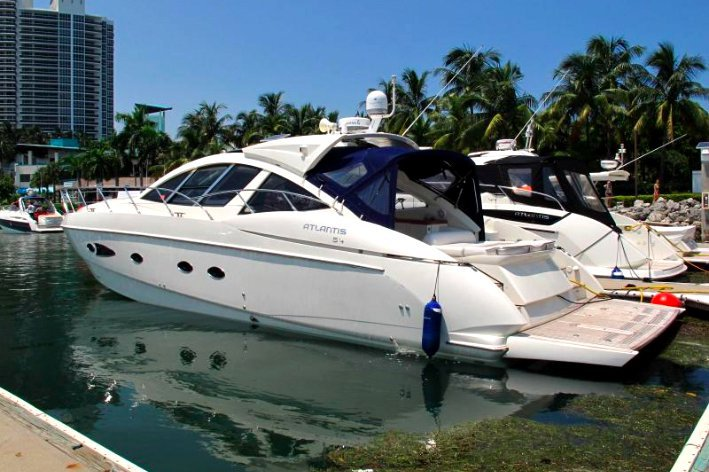 54.0 feet 54' Azimut in great shape