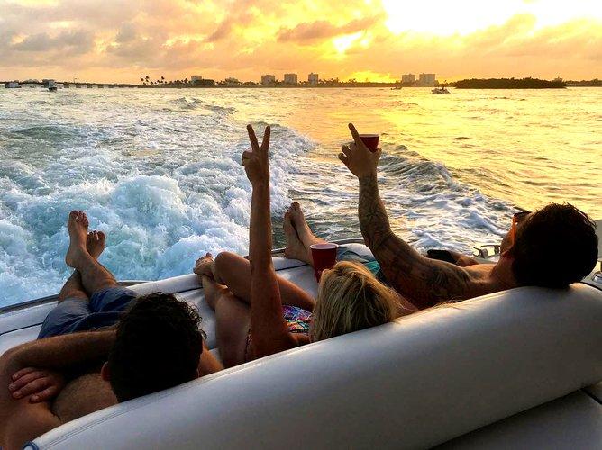 Discover Miami surroundings on this Atlantis 54' Azimut Atlantis boat