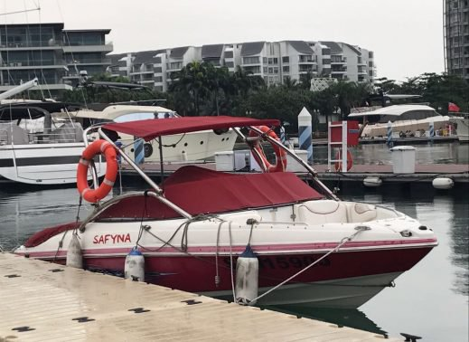 Bow rider boat rental in Sentosa Cove, Singapore
