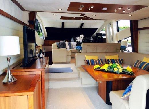 Boat rental in Sentosa Cove,