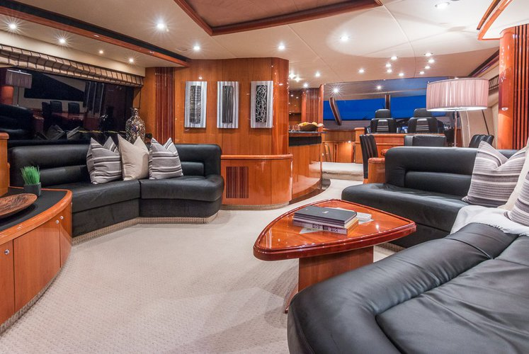 Discover West Palm Beach surroundings on this 82 Sunseeker Sunseeker boat