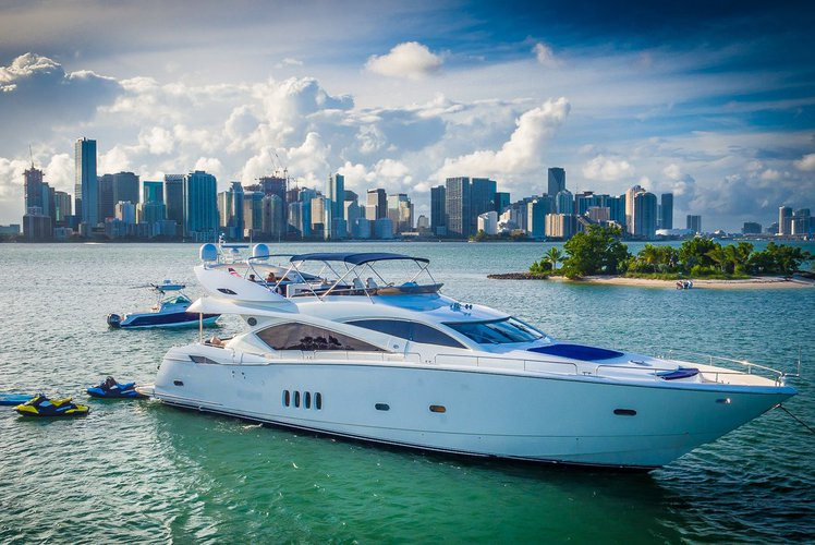 Top Gun - South Florida Yacht Charter