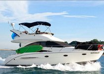 Have fun in Sentosa Cove, Singapore aboard 35' luxurious motor yacht