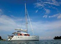 Explore Singapore aboard 46' luxurious power catamaran