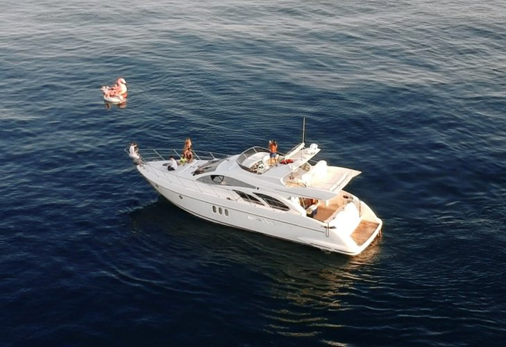 Discover Marina Del Rey surroundings on this Custom Azimut boat