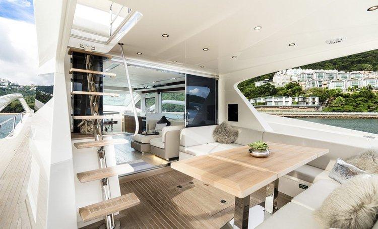 Boat rental in Aberdeen,