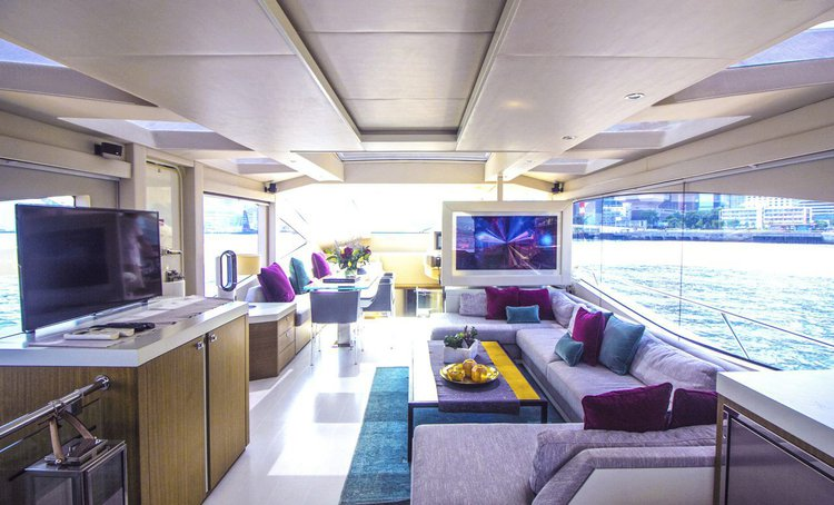 Motor yacht boat for rent in Aberdeen