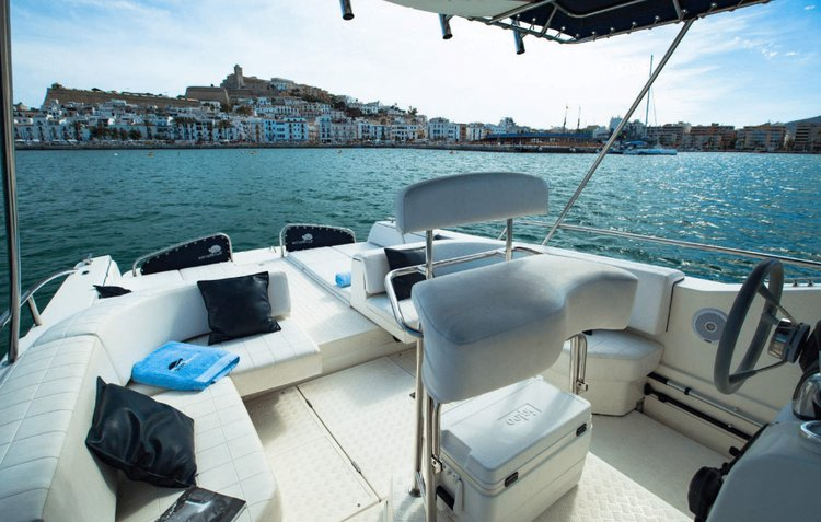 This 36.08' Quer cand take up to 11 passengers around ibiza