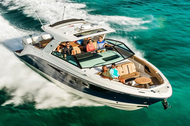 Bow rider boat rental in Marina Del Rey, CA