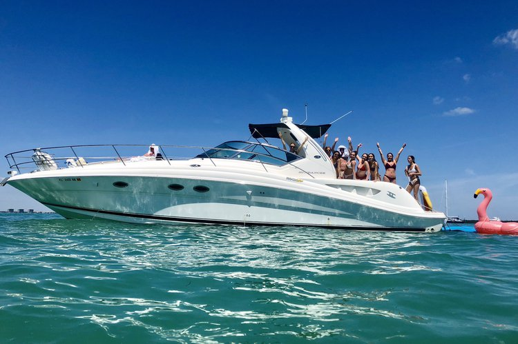 Luxury and Affordable Yacht for 12 Guests - Best Value!