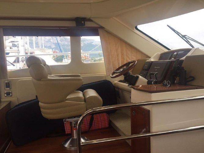 UNIQ's 52.0 feet in Marina Del Rey