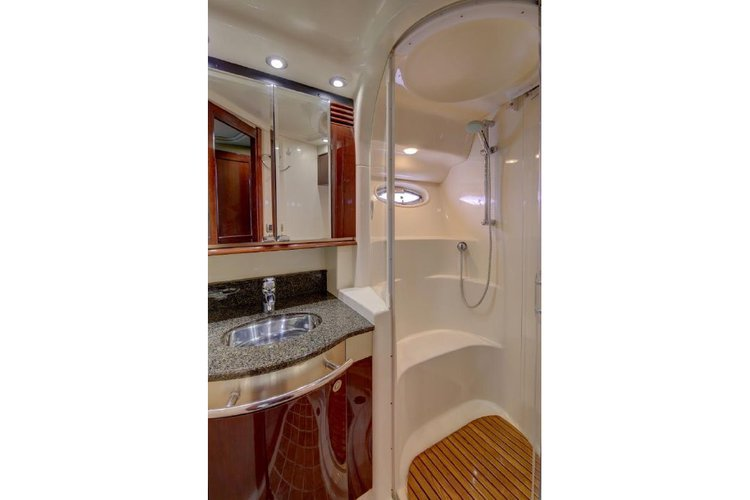Discover Marina Del Rey surroundings on this 52 Sedan Bridge UNIQ boat