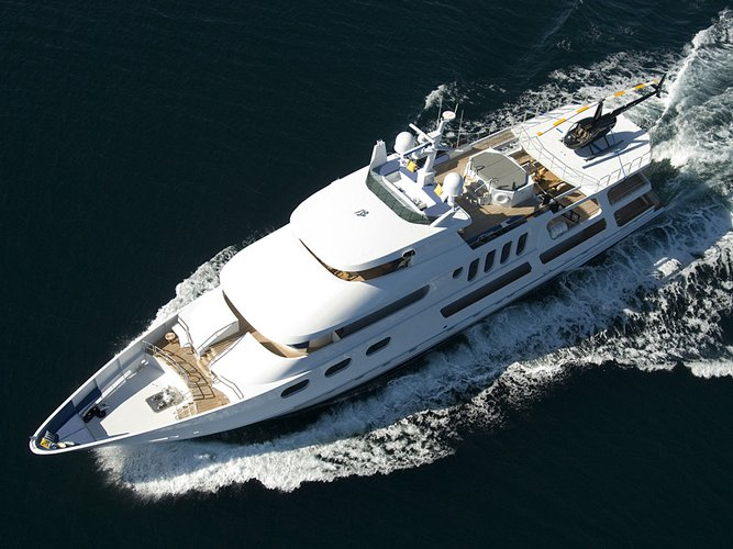 Boating is fun with a Mega yacht in Los Angeles
