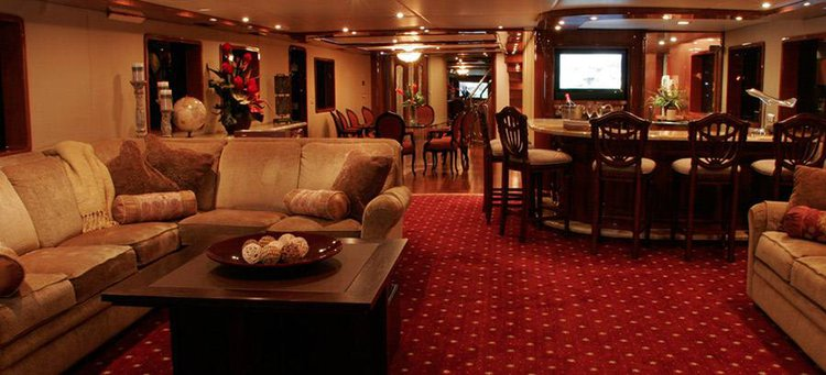 Mega yacht boat for rent in Los Angeles